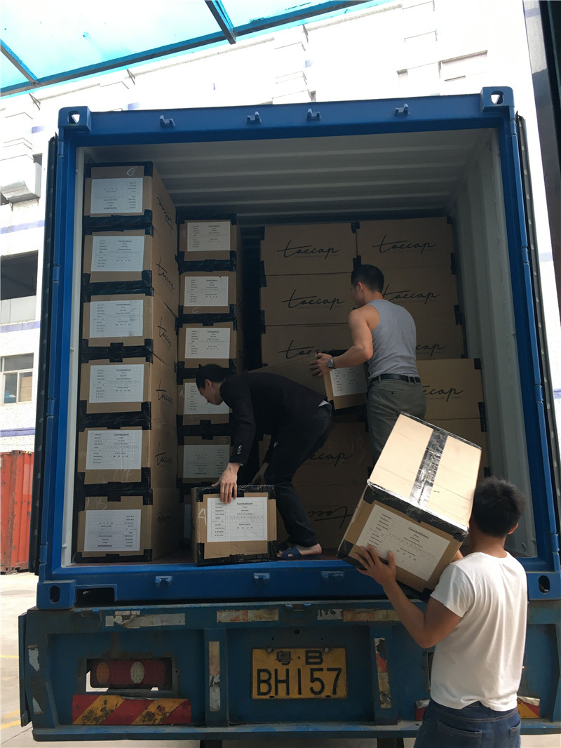 Loading container 015
